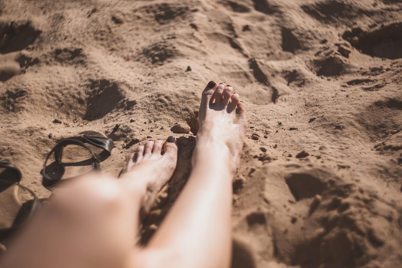 paznokcie-stopy-lato